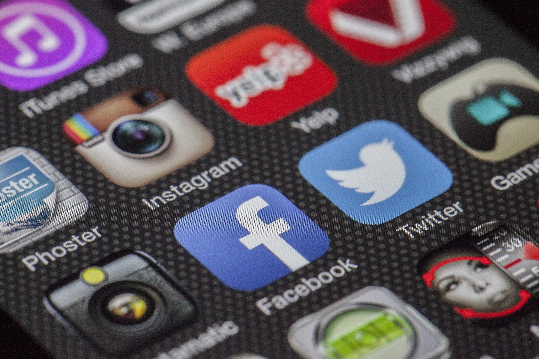 Social Media Strategy - Compelo