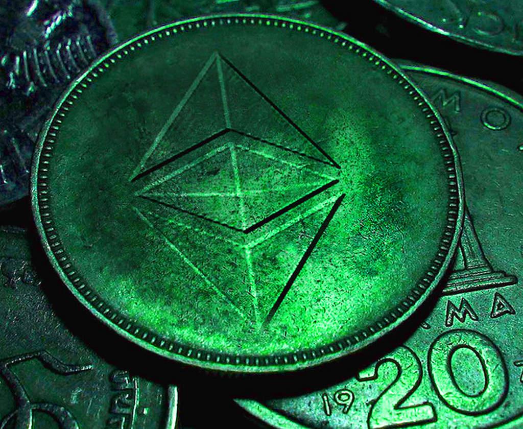 Bitcoin vs Ethereum, cryptocurrency, blockchain