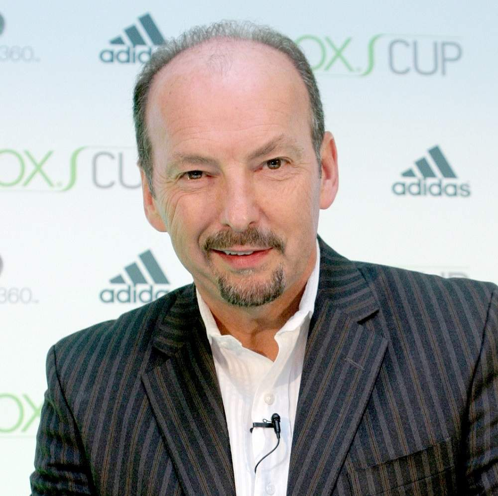 CEO of Liverpool Peter Moore as president of Xbox in 2006