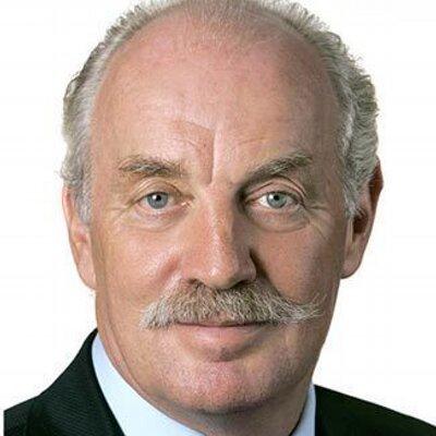 Dermot Desmond, irish business leaders