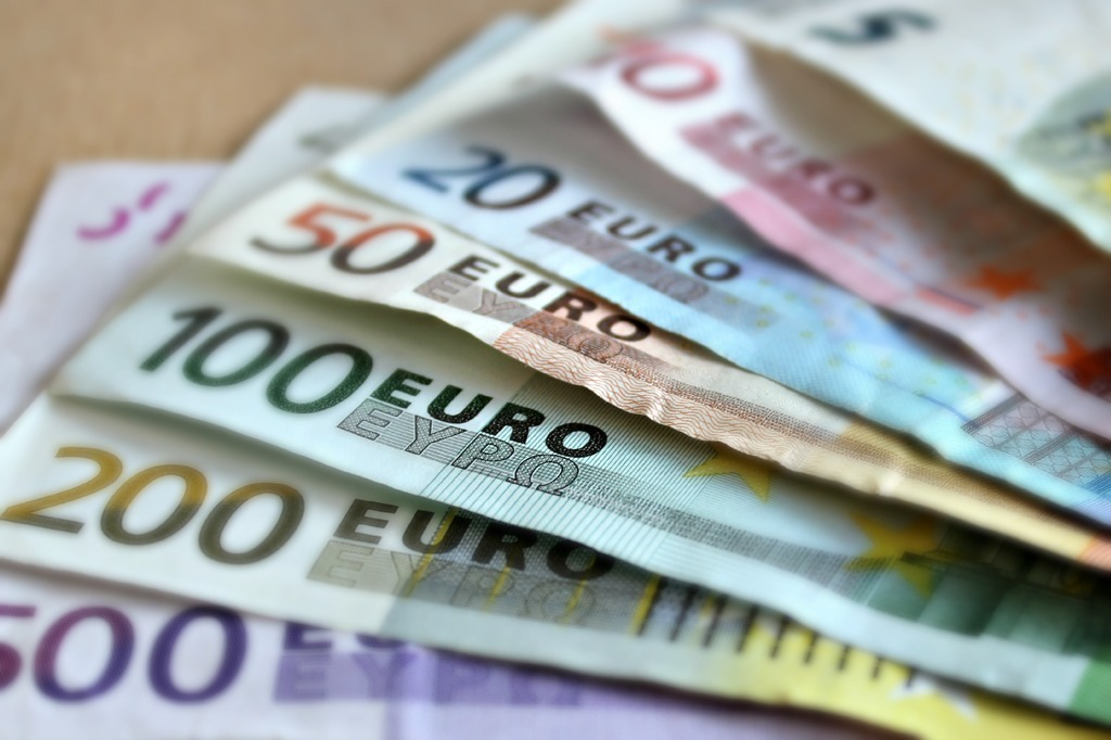 Euros, major currencies of the world
